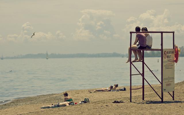 Kew Balmy Beach by Ryan Tir