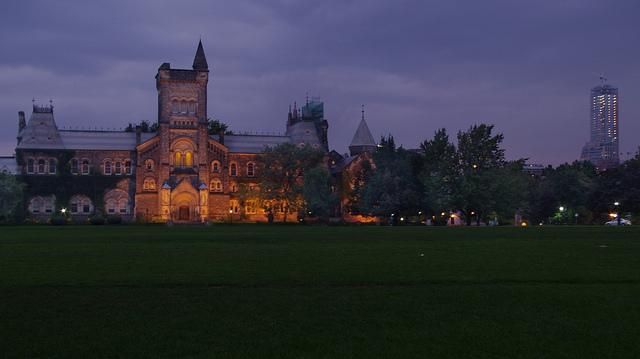 University of Toronto by knehcsg