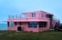 Florida house by Charlie Vinz