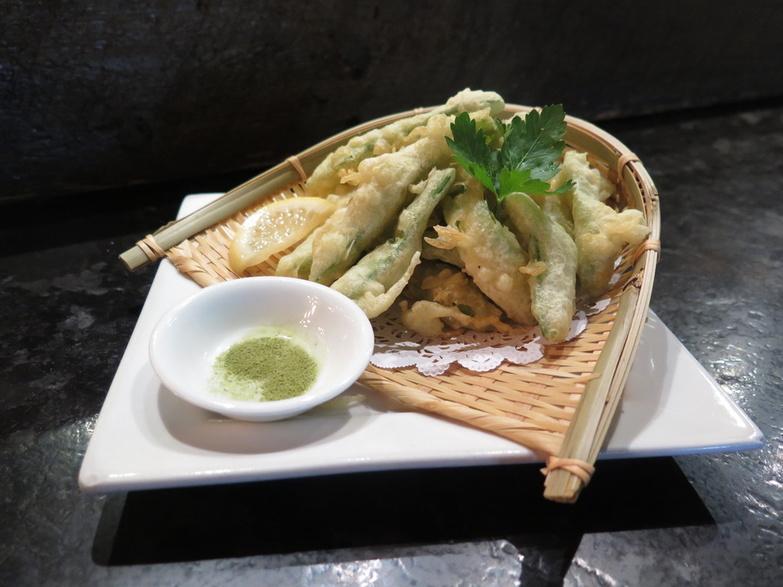 Guu Izakaya Snowpea tempura 1