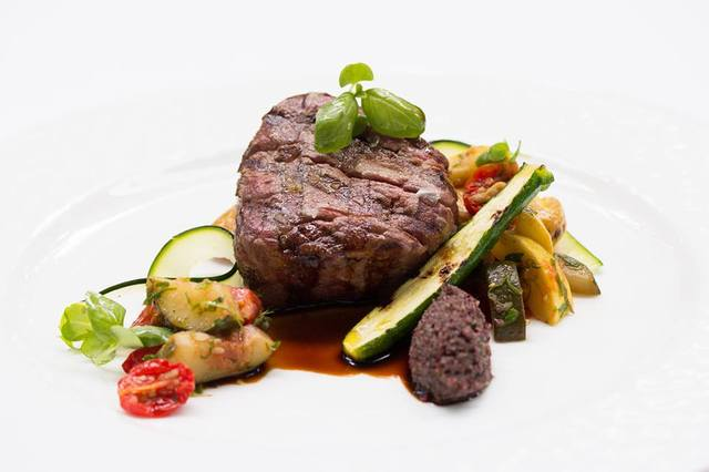 beef filet ratatouille potatoes olive