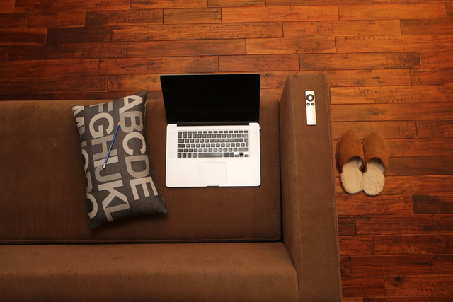 New floor and sofa by Leeroy