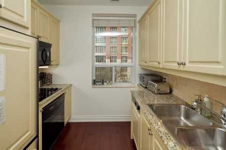48 St Clair Ave W 4