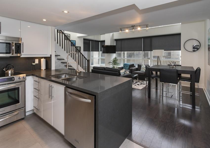 80 Cumberland Sreet 909 - Central Toronto - Annex