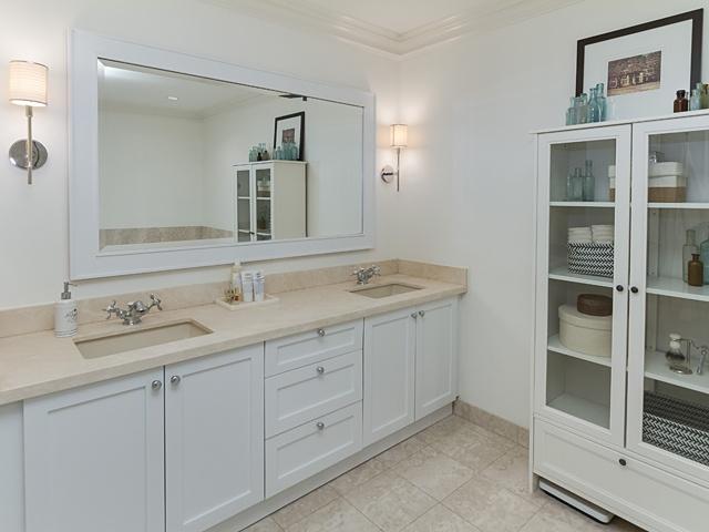 12 master bath 99 avenue rd 302_15