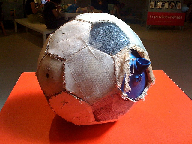 Footballoon by Arne Hendriks