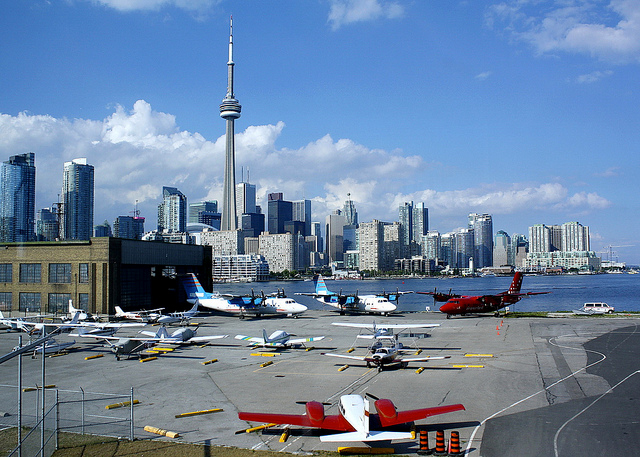 Billy Bishop Toronto City Airport by dle wynpa