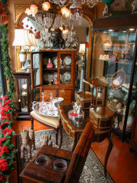 Bernardis Antiques Selection
