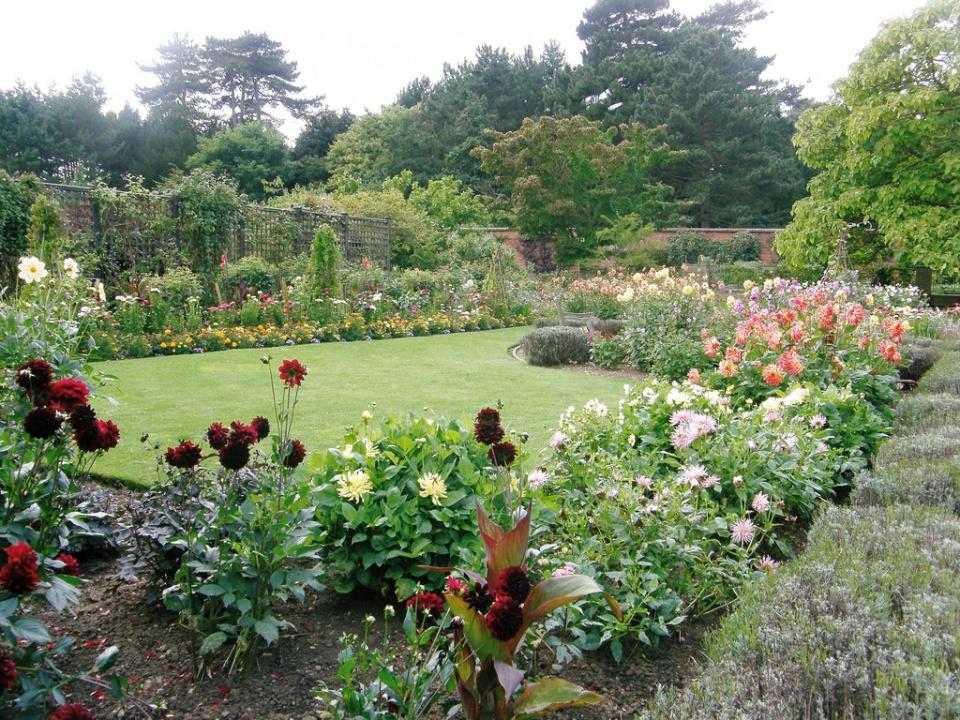 old english garden by sue hasker - English Country Garden Design