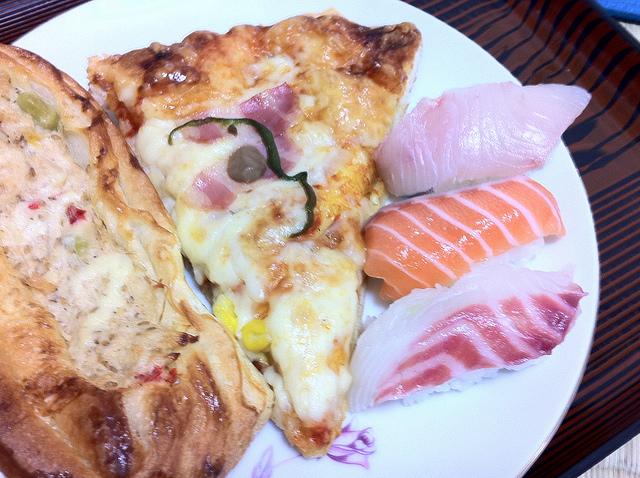 Sushi Pizza by Kimubert