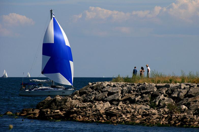 Sailing at Lake Ontario