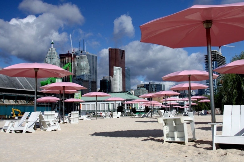 Sugar beach near Downtown Toronto