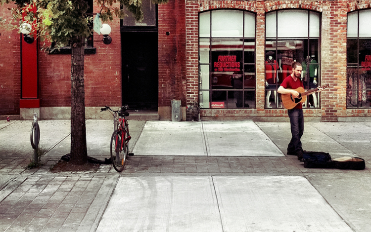 Queen St  Busker by Ryan