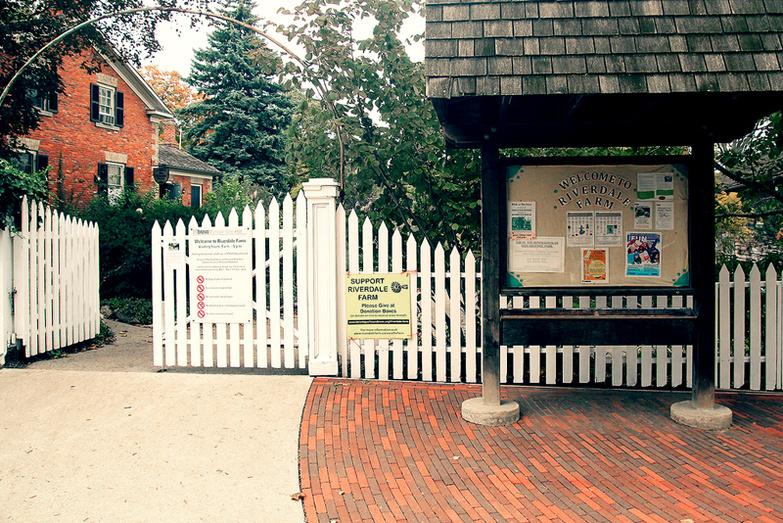 Riverdale farm entrance