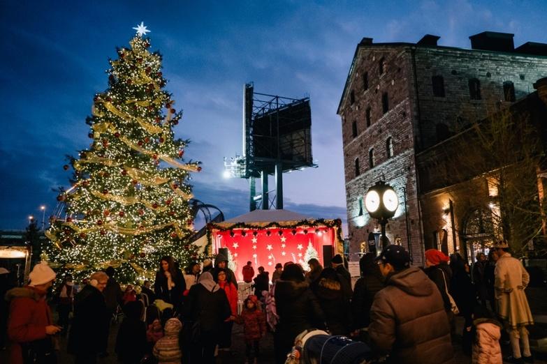 Toronto Christmas Market Distillery District