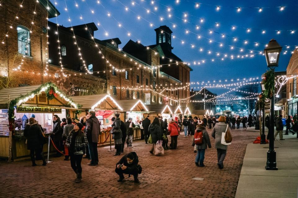 lowe s toronto christmas market photo essay toronto christmas market at night