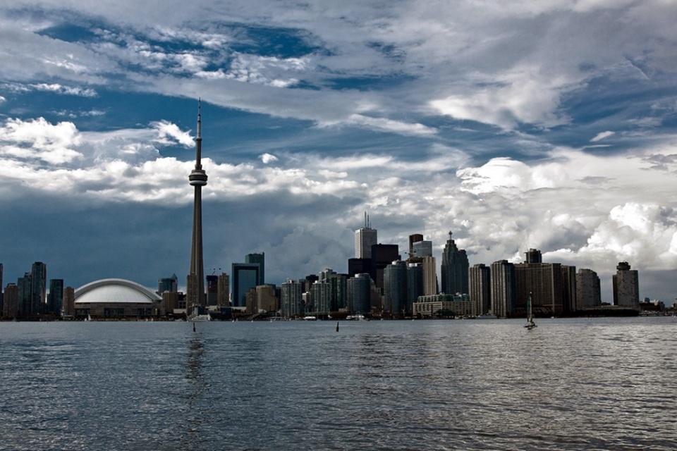 Toronto by leander canaris