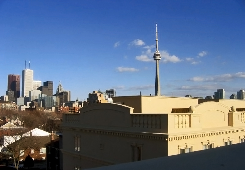 Toronto from terras by Damian Montero