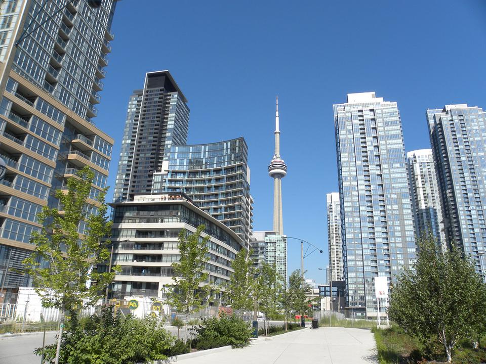 Toronto by JasonParis