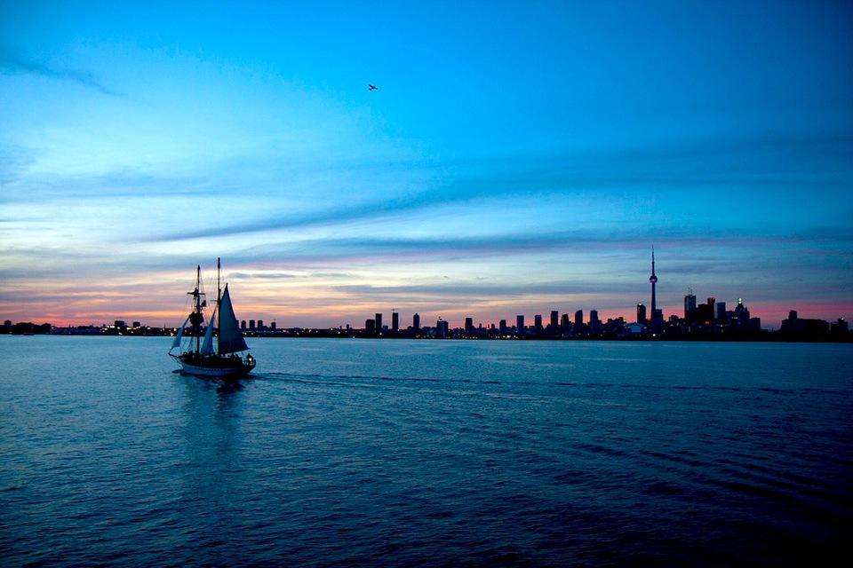 Toronto by Andrew Rivett