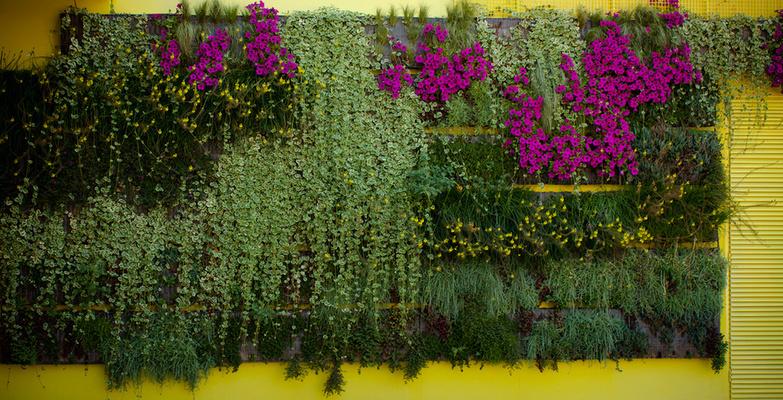 Vertical Garden With Pockets By Ruben Bodewig