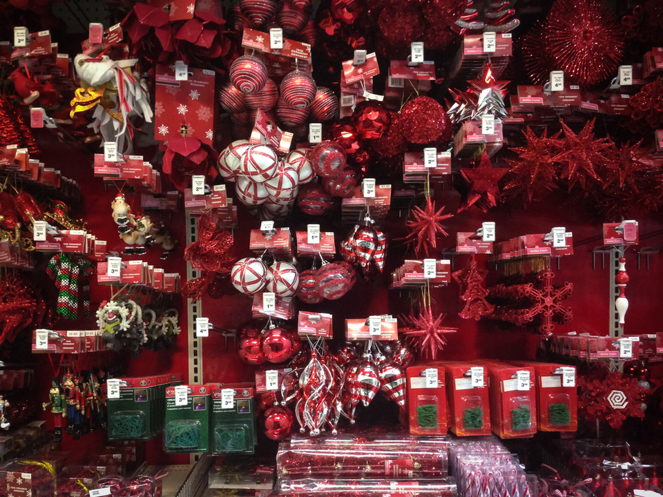 Top 10 christmas decoration stores in toronto jamie sarner for The christmas store