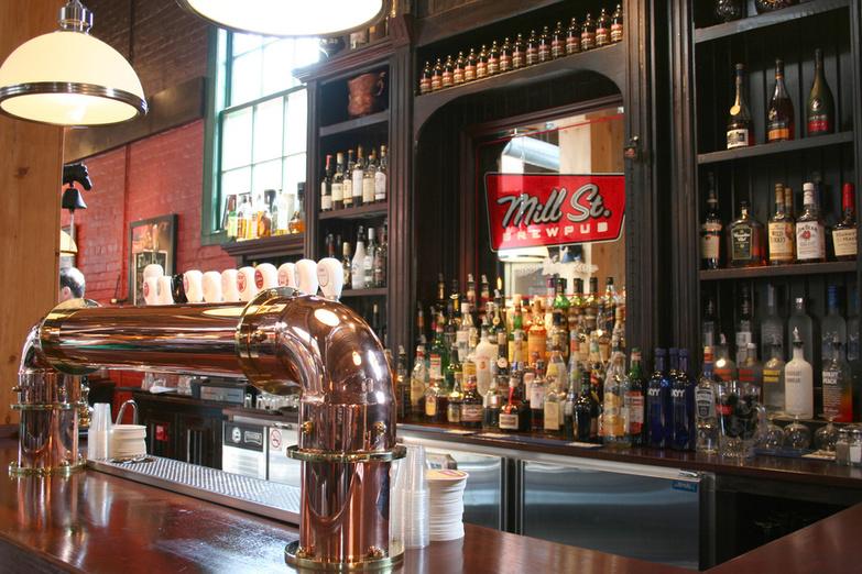 Mill Street brewpub bar 2007