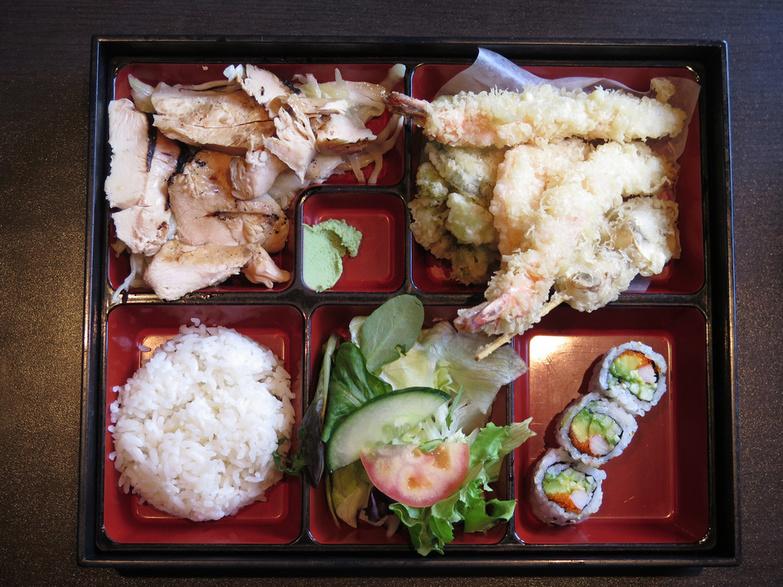 Sushi Moto Chicken bento