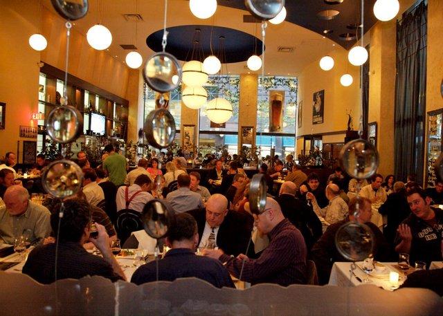 BeerBistro FB interior people