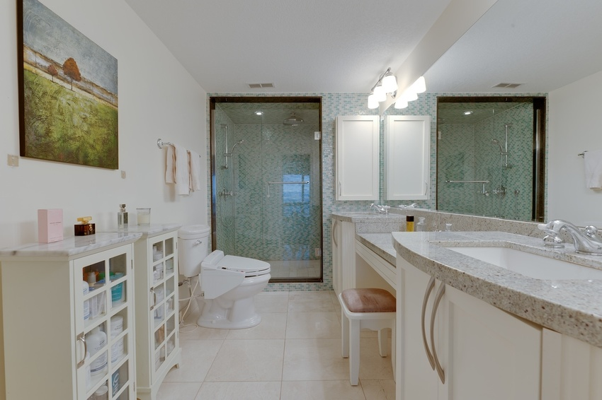 52 master and ensuite 1