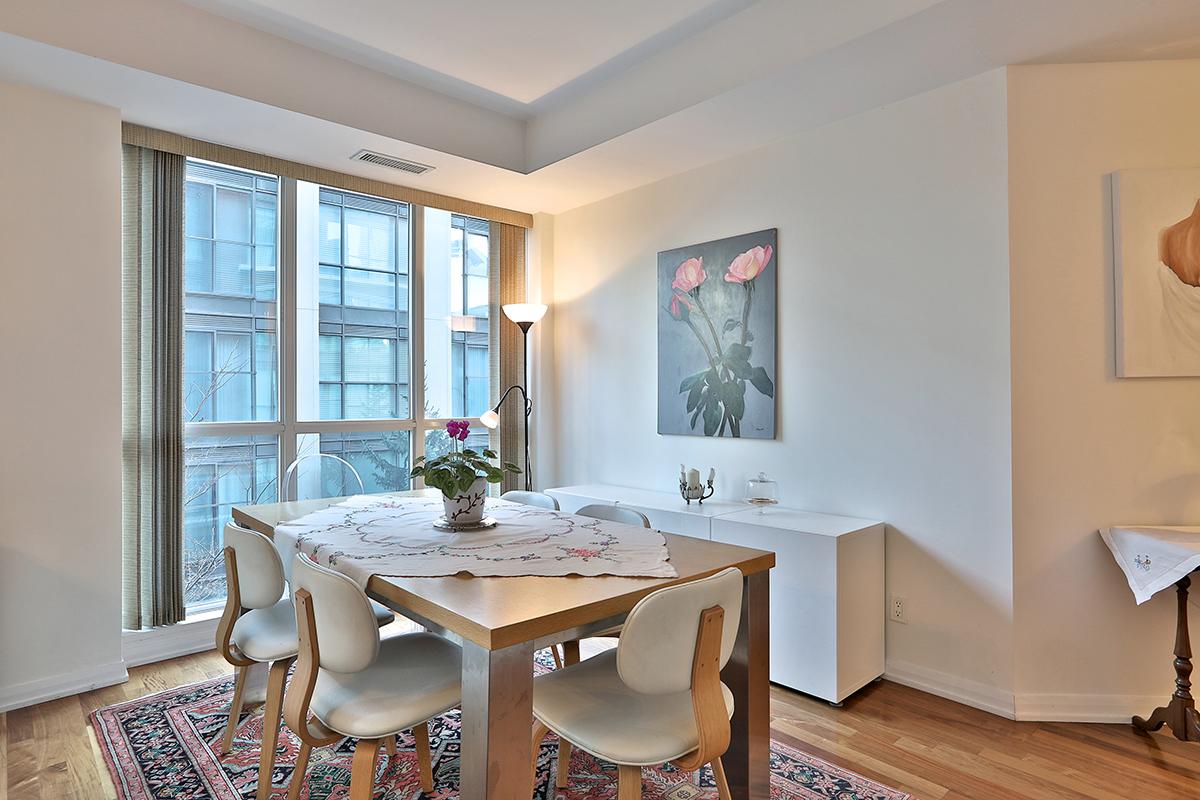 11 Soho Street Suite 306 Central Toronto Queen West