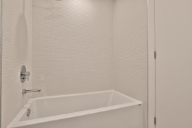 35wabashavenue10919bathroom