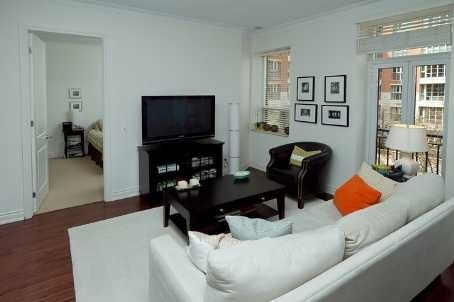 48 St Clair Ave W 2