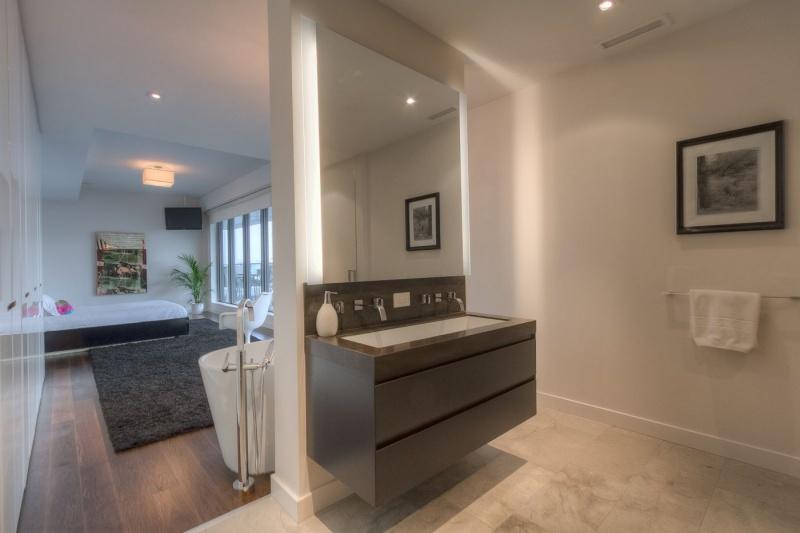 500 Wellington Street West Suite 801 Furnished Toronto Central Toronto