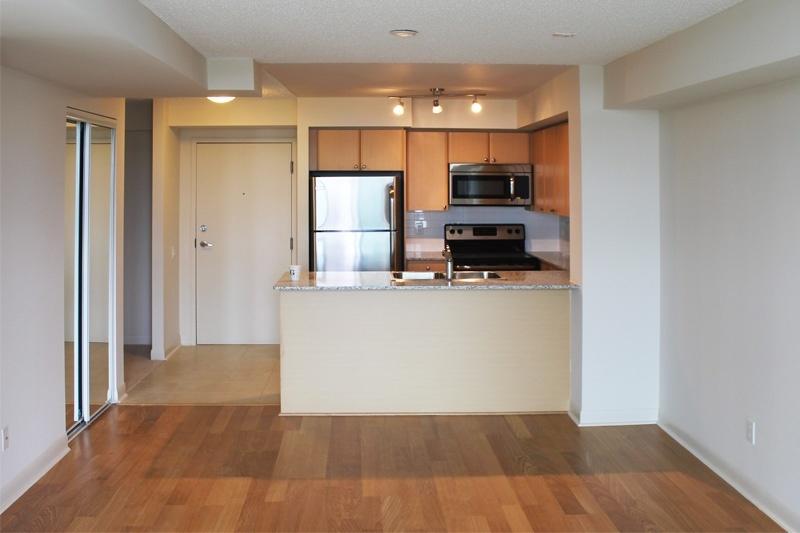 3 dining kitchen_800_web