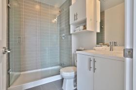 803530stclairavewbathroom2