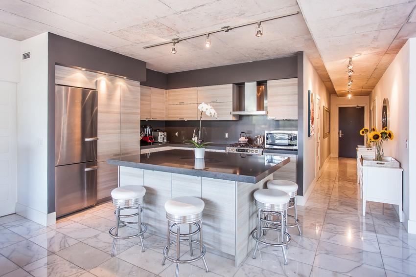 9 kitchen hall