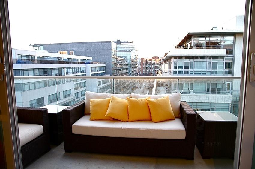 balcony with veiw