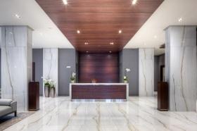 florian desk lobby