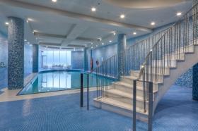 florian pool stair