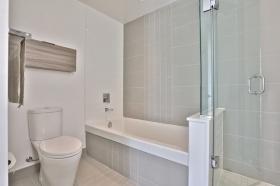 88 scott street master bathroom 2