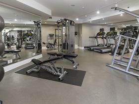 16 gym 99 avenue rd 302_20