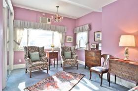 105hillsdaleavewsittingroom39