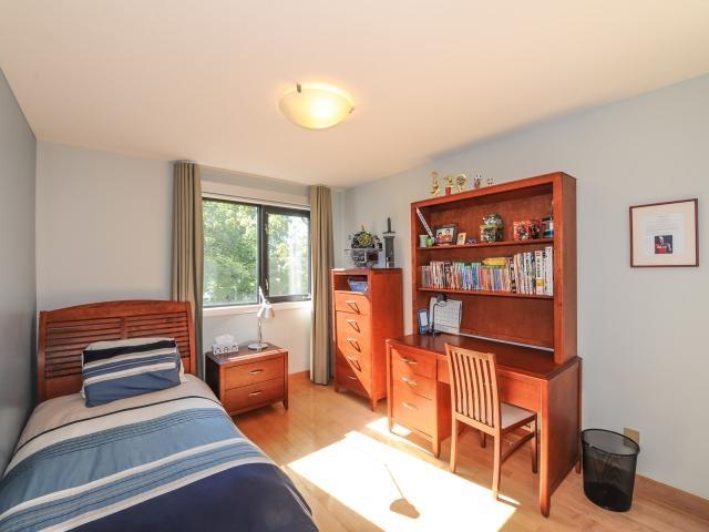 30_2ndbedroom1