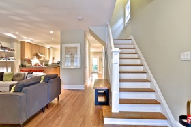403annetteave5stairs