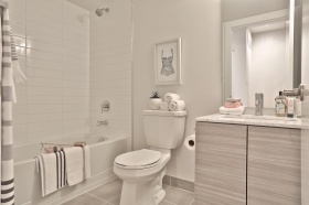 50 curzon street 509 37 bathroom