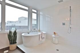 50 curzon street 509 56 master bathroom